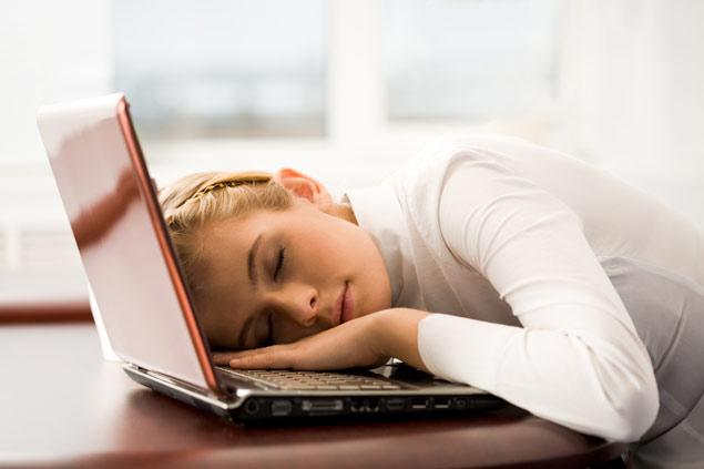Schlafen auf Laptop